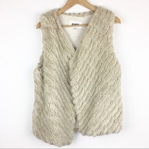 NWOT BB Dakota Faux Fur Vest